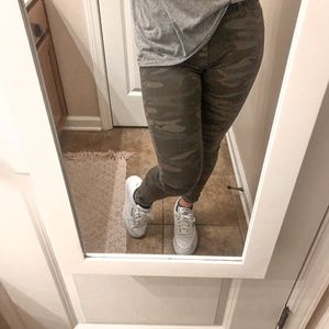 Lucky Brand camouflage stretchy skinny jeans 4 27